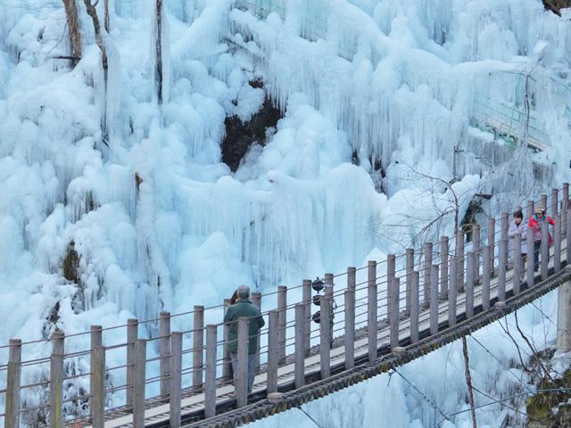 尾の内渓谷(氷柱)